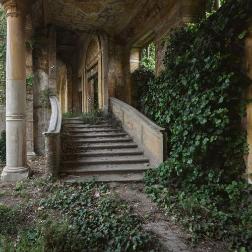 abandoned-buildings_4
